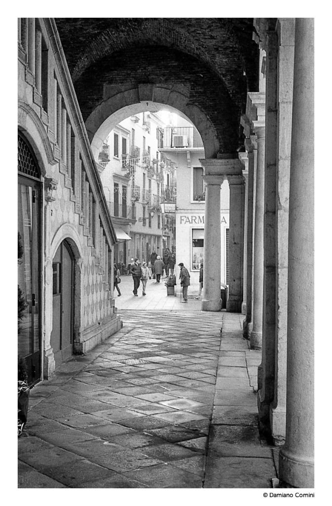 Basilica Palladiana- Leica M6 - 50 Summicron - Kodak Tri-X 400 ISO - © 2016 Damiano Comini